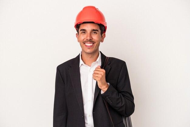 若い建築家の混合レースの男は、幸せ、笑顔、陽気な白い背景で隔離。