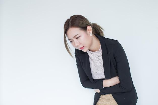 복사 공간, 개념 병, 두통 및 혼란을 가진 젊은 아시아 비즈니스 여성