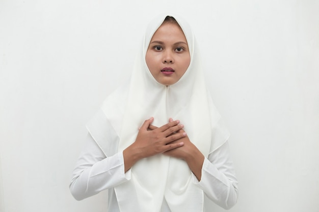Young asian muslim woman got chest pain