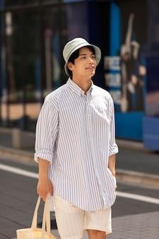 Портрет молодого азиатского человека