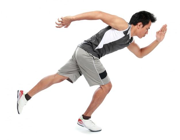 Молодой спортсмен человек