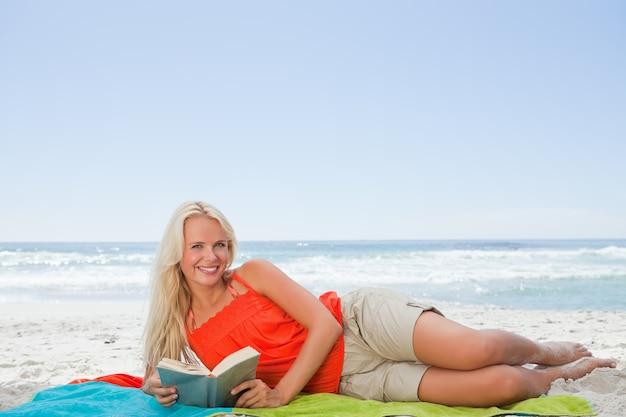 若い、魅力的、女、横に、横に、図書