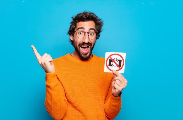 젊은 수염 남자 금지 사진 개념