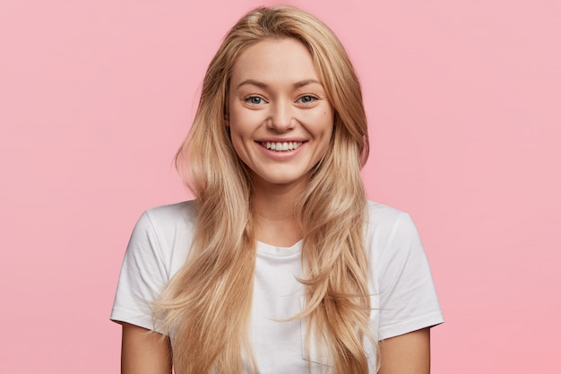 Young blonde woman with white t-shirt