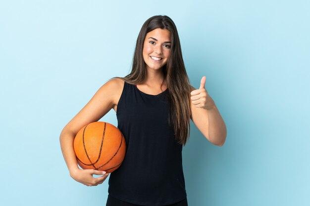 브라질 소녀 절연 농구와 엄지 손가락 최대