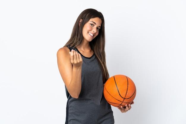 젊은 브라질 여자 농구 돈을 제스처를 만드는 흰색 절연