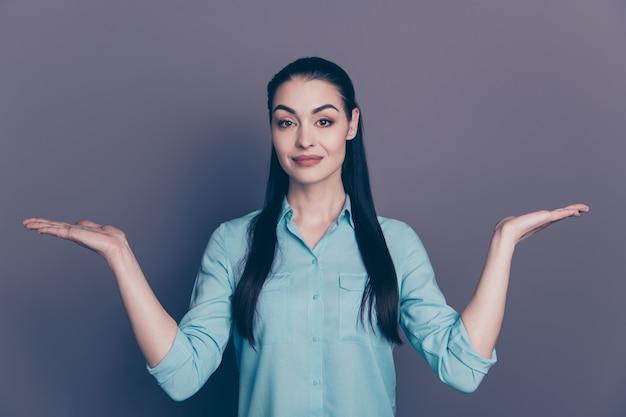Портрет молодой деловой женщины