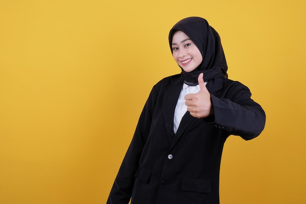 Young business woman say okay with finger to the side, getting good information