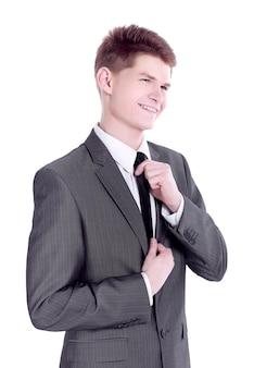 彼のネクタイを調整する青年実業家。