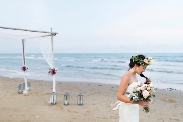 젊은 백인 부부의 결혼 날