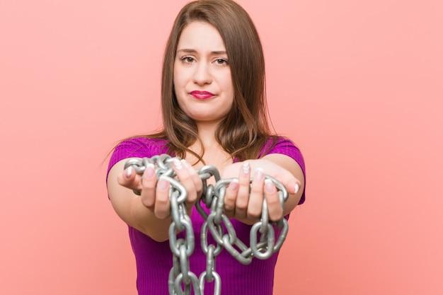 Прикованная кавказская женщина