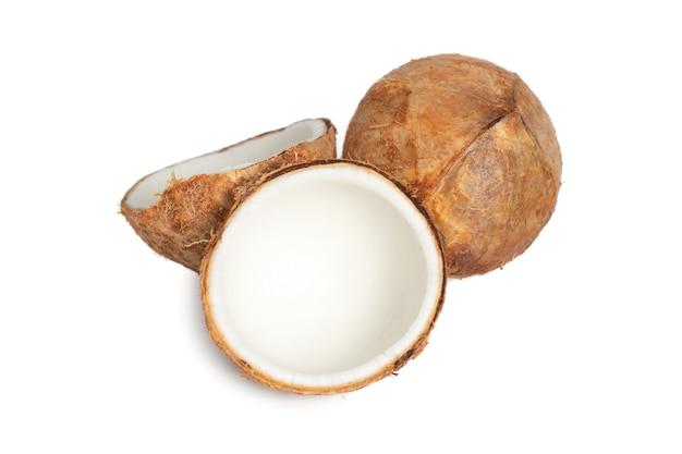 흰색 배경에 고립 된 젊은 코코넛.
