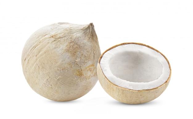 白い背景で隔離された若いココナッツナッツ