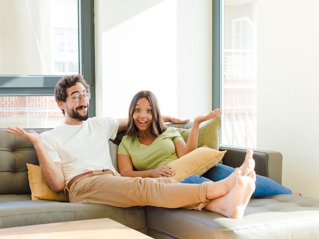 Молодая пара в новом доме