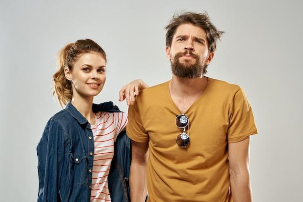 若いカップルのライフスタイル感情コミュニケーションファッション