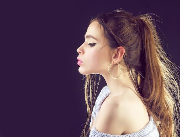 젊은 얼굴 초상화, 여성 모델, 아름다운 여자.