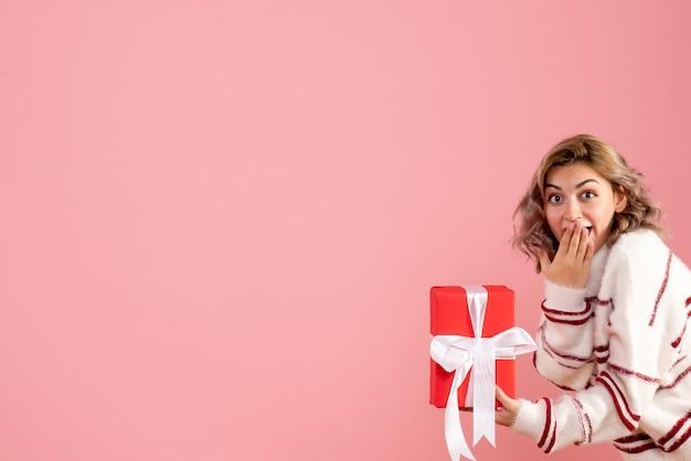 Giovane azienda femminile presente sul rosa