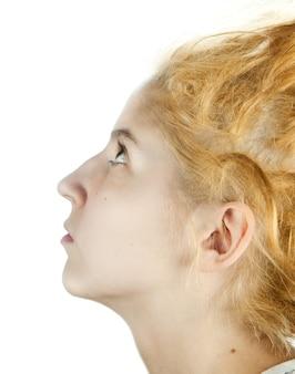 奇妙な髪型の少女
