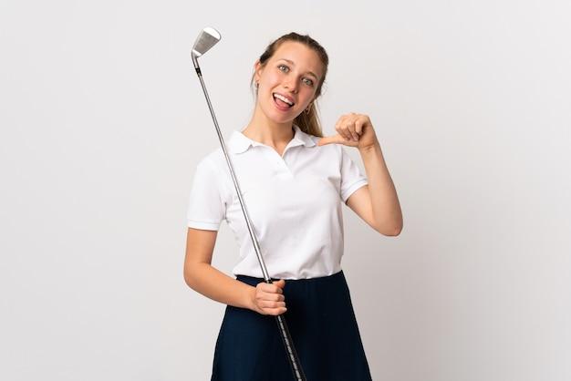자랑스럽고 자기 만족 고립 된 흰색 배경 위에 젊은 골퍼 여자