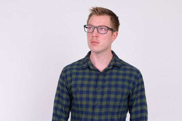 젊은 잘 생긴 Hipster 남자 프리미엄 사진