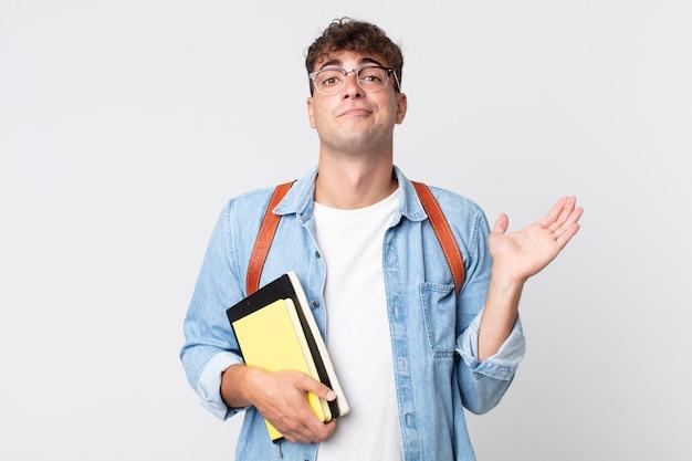 어리둥절하고 혼란스럽고 의심스러운 젊은 미남. 대학생 개념