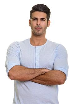 Молодой красивый персидский мужчина со скрещенными руками