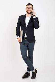 Молодой красивый стильный битник мужчина в молодой куртке