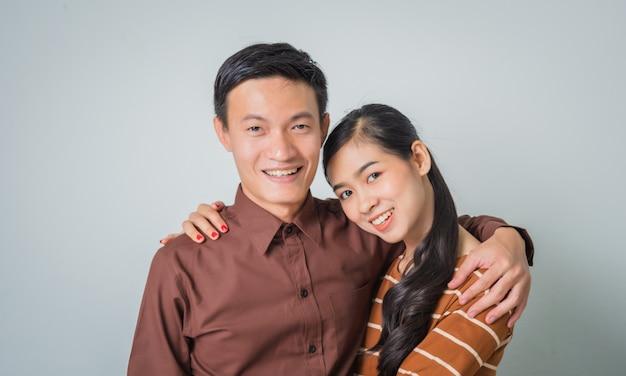Молодая счастливая азиатская пара
