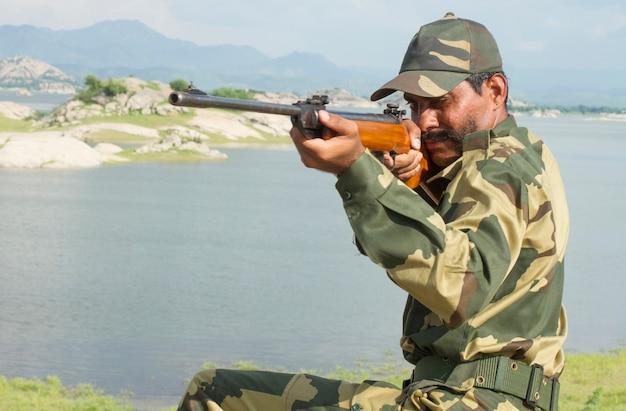 若いインドの兵士