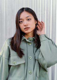 Портрет молодой японской женщины