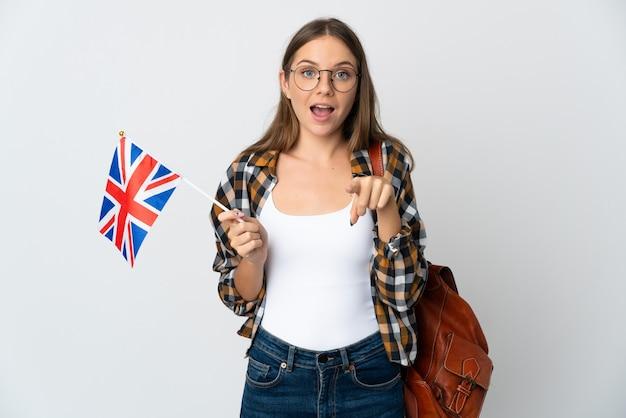 고립 된 영국 국기를 들고 젊은 리투아니아 여자