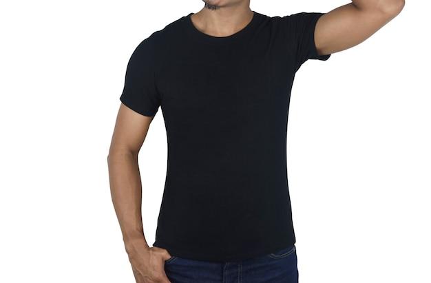 空白の黒いtシャツのフロントの若い男が空白で隔離デザインプリントのテンプレートをモックアップ