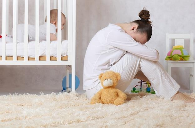 30〜40歳の若い母親は産後うつ病を経験しています。