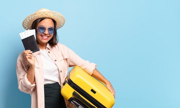 若いprewoman。旅行や休日の概念