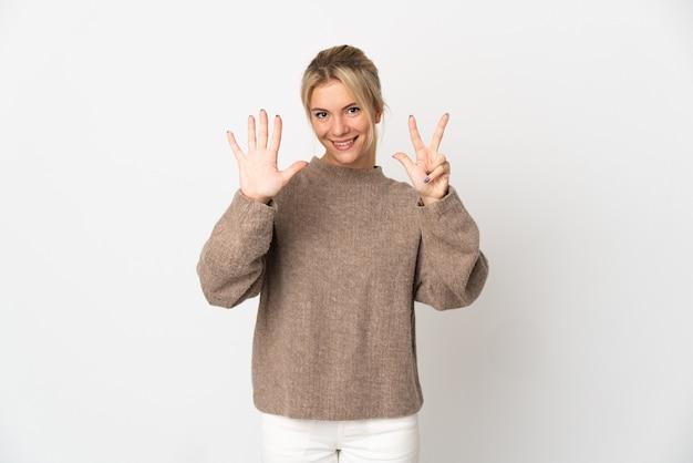 손가락으로 8 세 흰색 절연 젊은 러시아 여자
