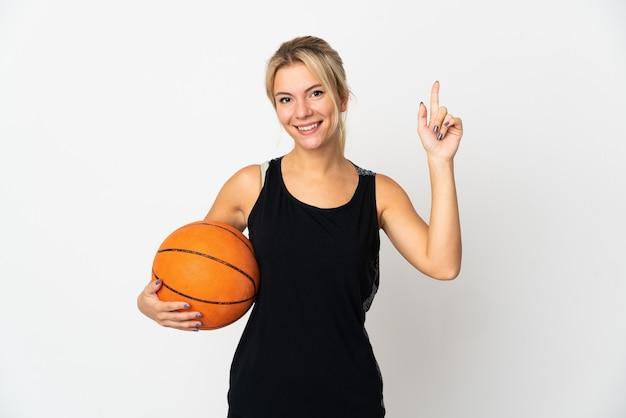 좋은 아이디어를 가리키는 흰색 절연 농구 젊은 러시아 여자
