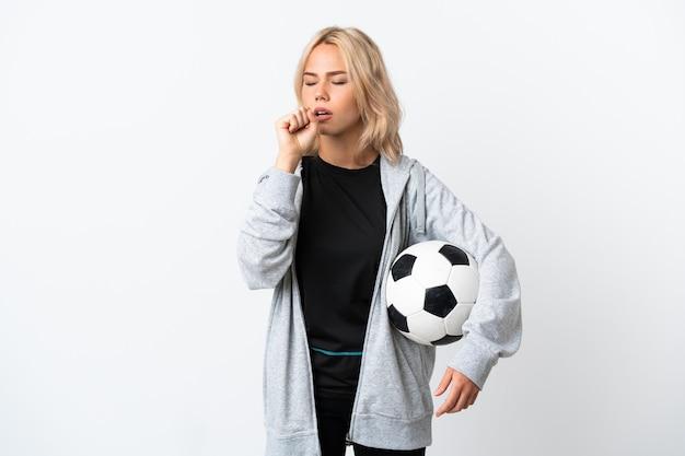 젊은 러시아 여자 축구를 많이 기침 흰색 배경에 고립