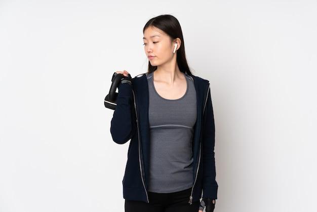 若いスポーツアジアの女性
