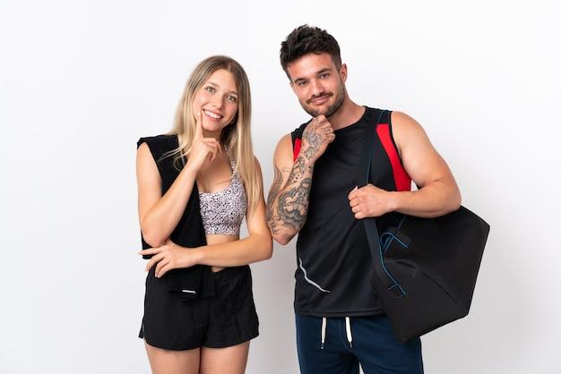 若いスポーツカップル