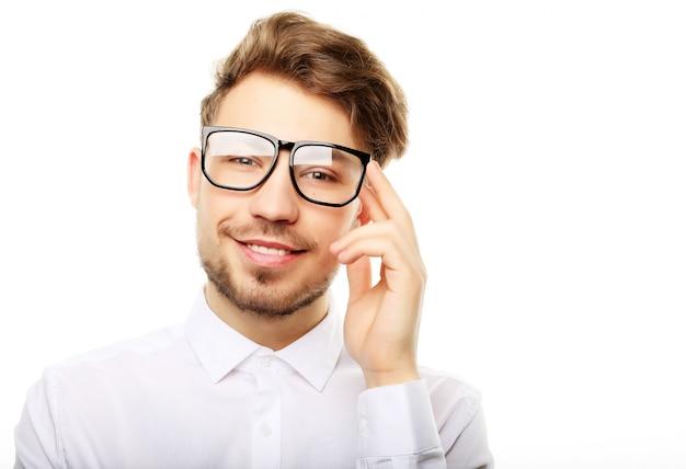 眼鏡笑顔でトレンディな若者