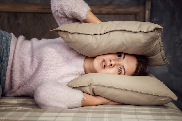 Young woman can not sleep