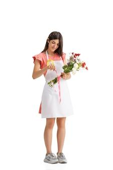 Флорист молодой женщины с букетом, изолированные на белом фоне студии