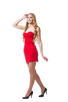 흰색 바탕에 춤 빨간 드레스에 젊은 여자