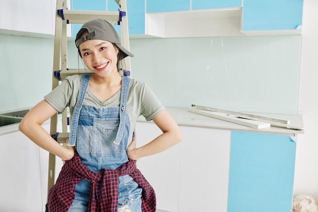 若い女性のキッチンを改装