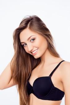 長い髪の若い女性
