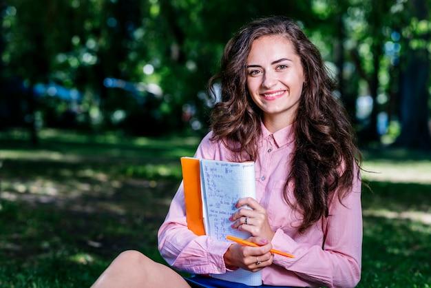 公園、ノート、若い、女