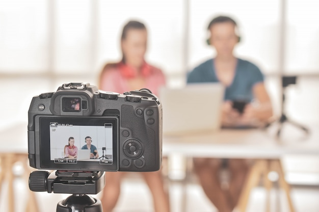 Youtuber vlogger интернет звезда маркетолог вещание стартап малого бизнеса