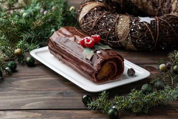 Святочный бревенчатый торт, рождественский буш де ноэль