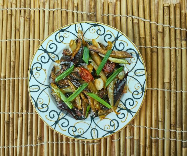 Юйсян - смесь приправ в китайской кухне.