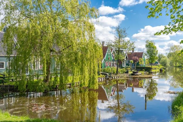 Zaanse schansオランダのzaandamの近隣